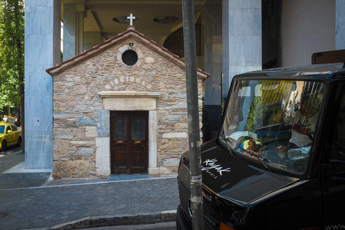 Kapelle in den Straßen der Athener Altstadt