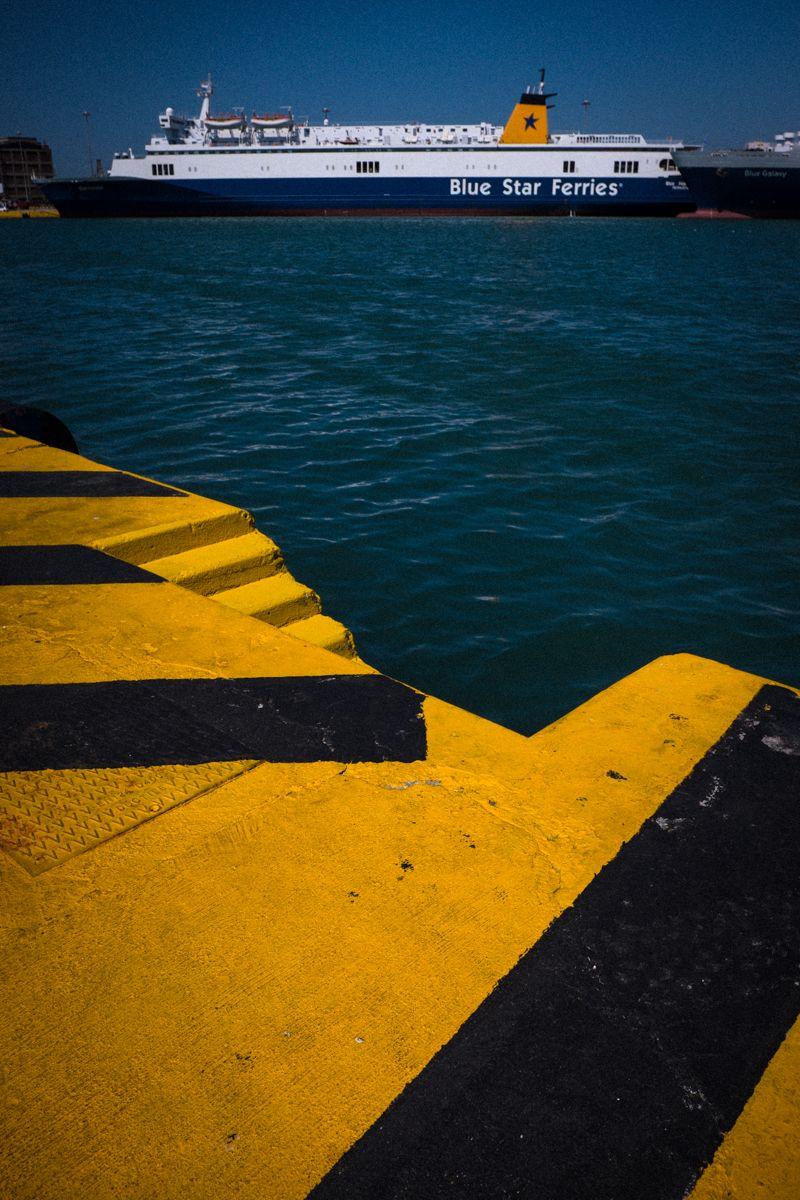 Blu Star Fähre im Hafen von Piräus