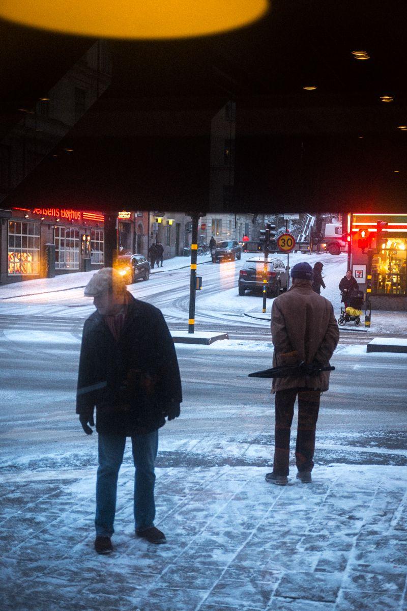 Straßenszene in Stockholm im Winter