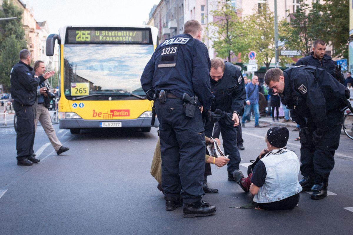 Demo zur Räumung der Cuvry Brache in Berlin Kreuzberg