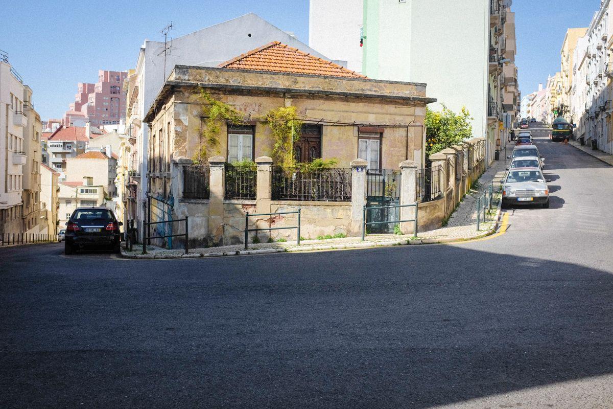 Straße im Stadtviertel Alfama von Lissabon