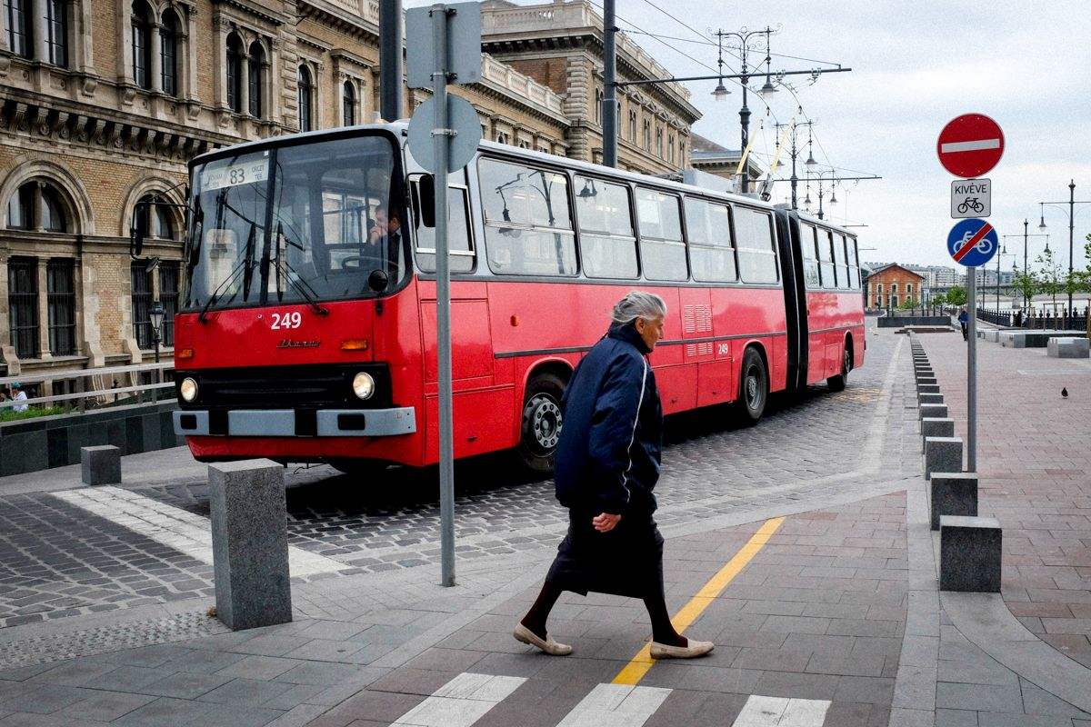 alter Ikarus Bus in Budapest