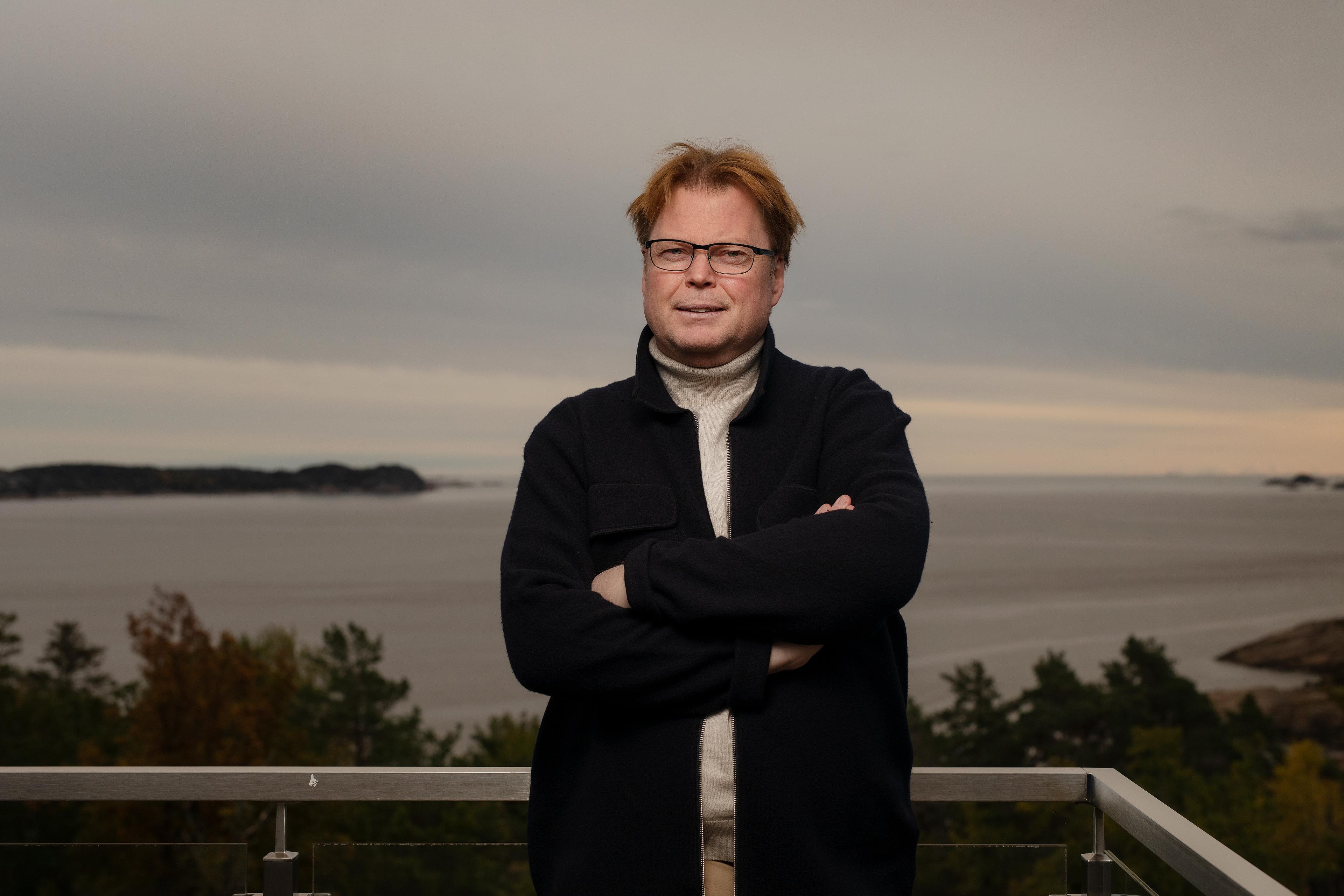 Salgstopp. Høstens roman «Grenseløs» er nummer 16 i rekka om William Wisting. Men det er absolutt ikke første gang Jørn Lier Horst er nummer 1 på salgslistene.- Jeg er bortskjemt med listeplasseringer, men det tok lang tid og mange bøker før jeg kom dit, sier forfatteren.