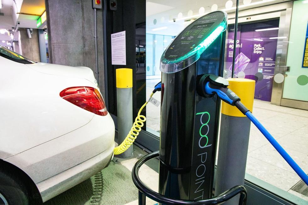 Heathrow Airport, CHOOOSE, EV charging station