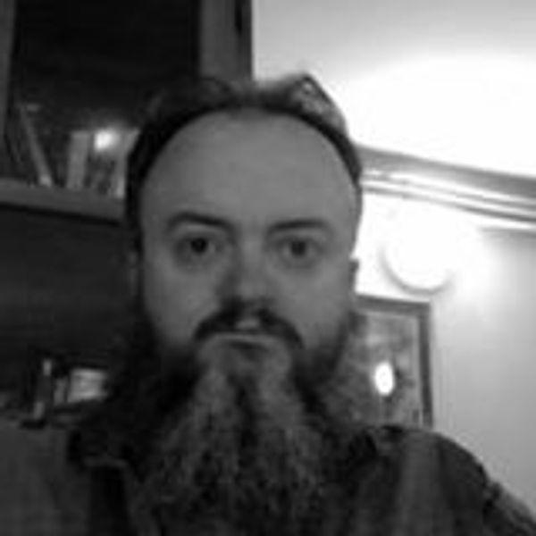 Portrait of speaker named Ian Cooper