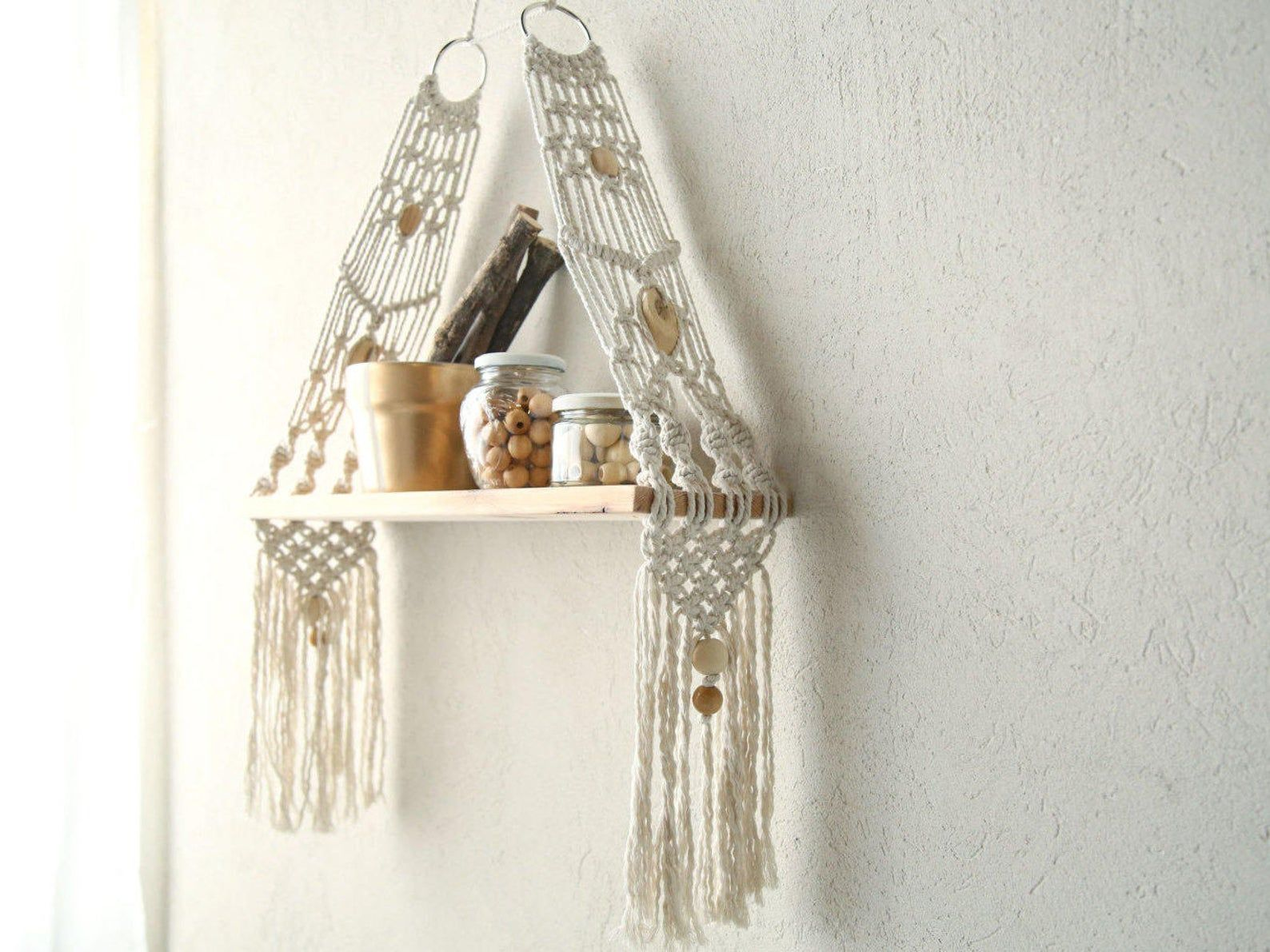 Macrame shelf by Nomamacrame