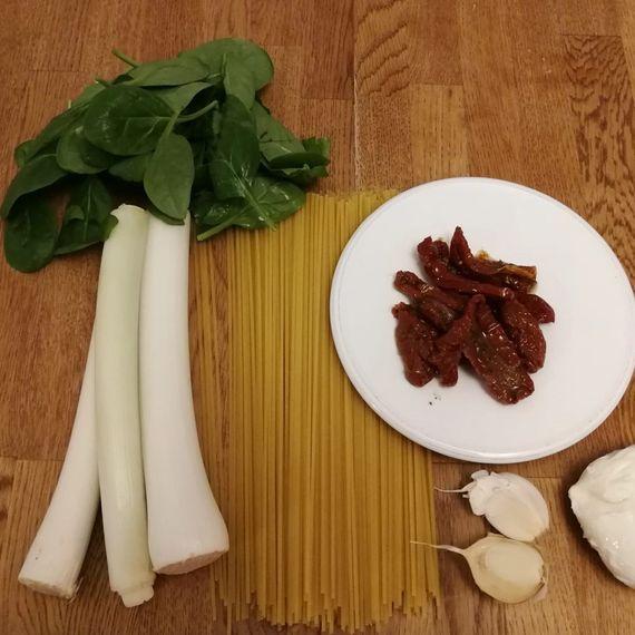 Zutaten Lauch-Knoblauch-Spaghetti