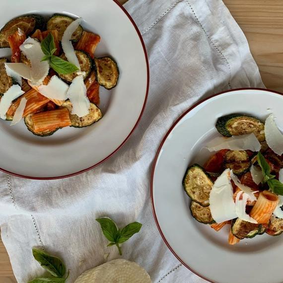 Rigatoni alla Norma mit Zucchini