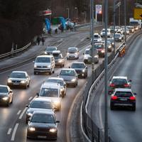 DIESELFORBUD: På grunn av lave temperaturer og stillestående luft blir det innført et midlertidig forbud mot å kjøre dieselbiler på kommunale veier 17. januar i fjor.