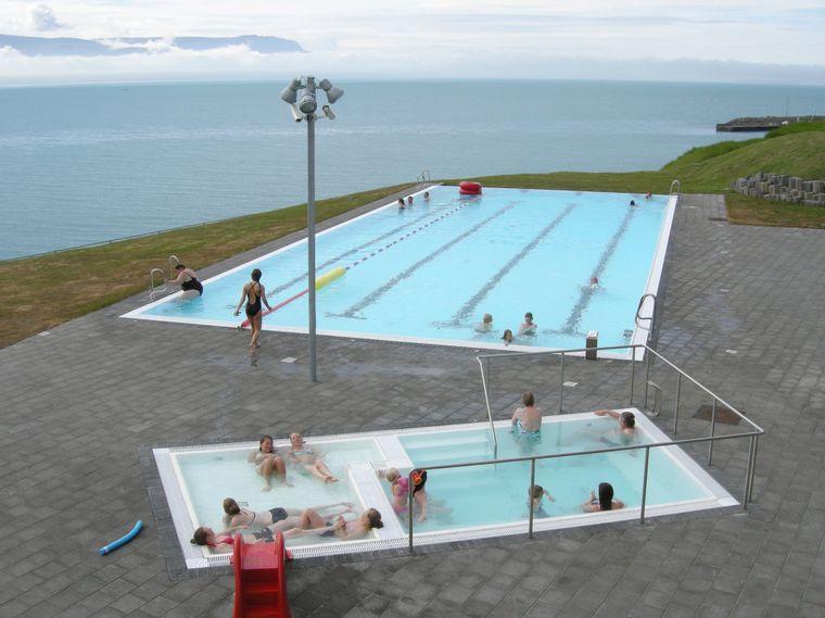 Islandske barn er de beste til å svømme i Norden.