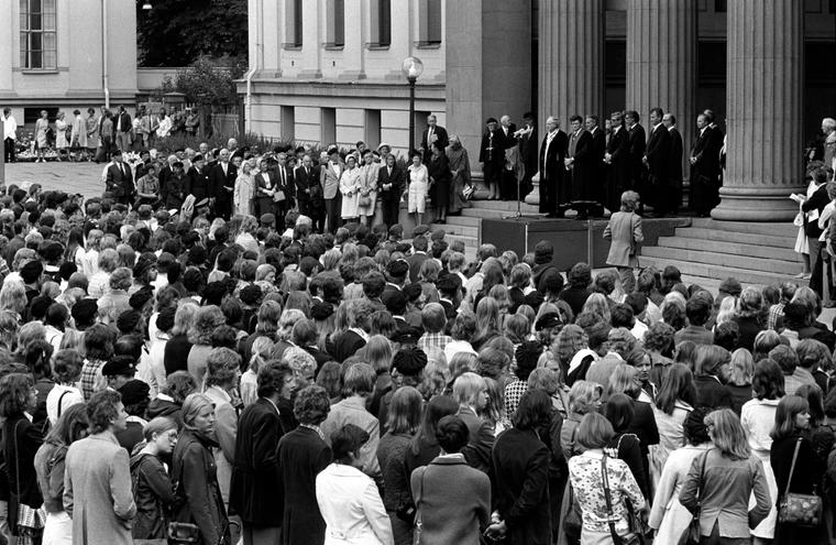 Immatrikulering av nye studenter ved Universitetet i Oslo i 1975.