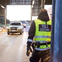 Tollkontrollen mellom Sverige og Norge på Svinesund.