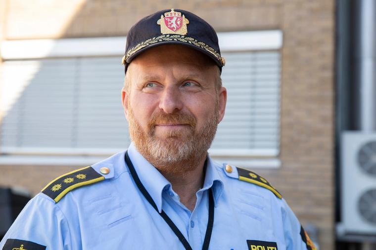 Politistasjonssjef i Fredrikstad, Ivar Prestbakken, avviser at bråket i Fredrikstad 17. mai hadde noe med motstand mot norske verdier å gjøre.
