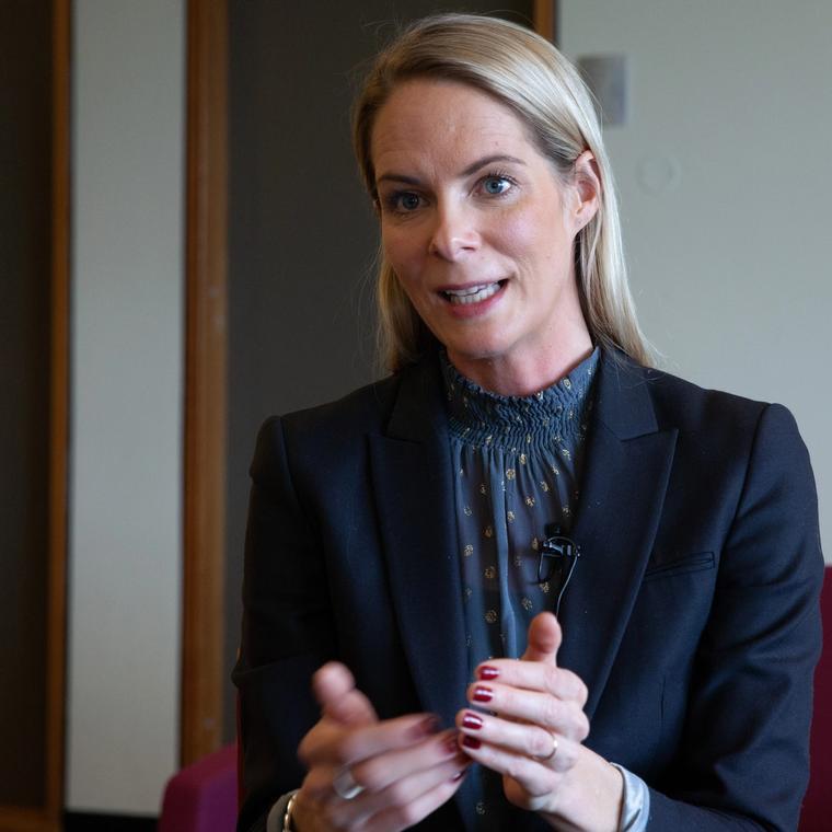 Cathrine Thorleifsson er forsker ved C-REX på Universitetet i Oslo, og forsker blant annet på hvordan ulike ekstreme holdninger spres på tvers av landegrenser.