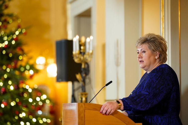 Statsminister Erna Solberg under den oppsummerende pressekonferansen 16. desember.