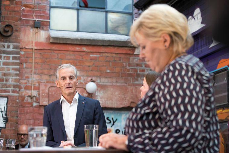 Gratis skolemat har vært et tema i flere av debattene mellom Ap-leder Jonas Gahr Støre og statsminister Erna Solberg (H).