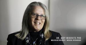 Judy Mikovits mistet jobben som forsker i 2011.