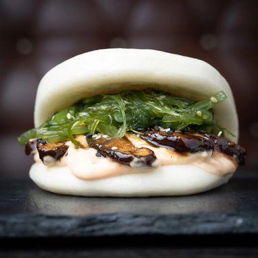 Shiitake bao bun with seaweed