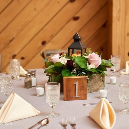 Gogola Wedding Flower Arrangement Examples