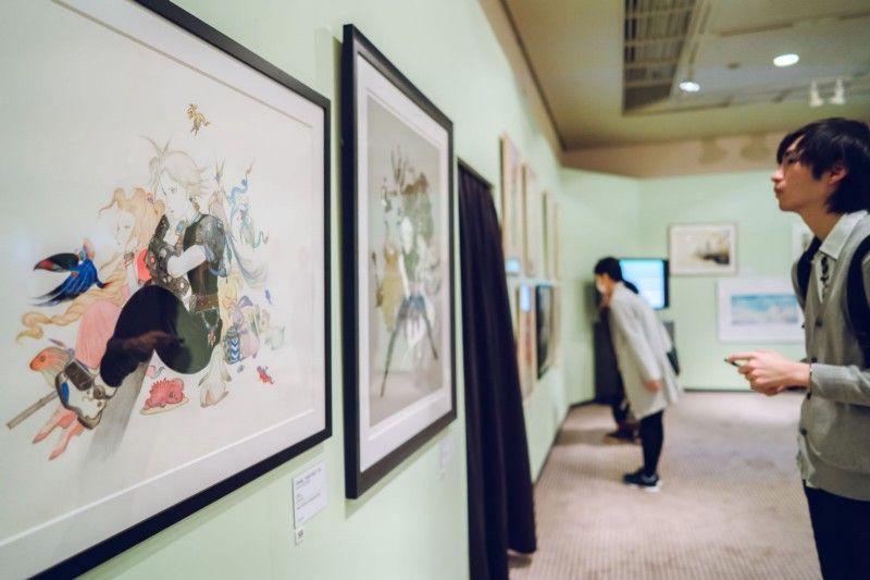Когда журналисты Polygon посетили Амано для написания этого сюжета, он покопался в своих архивах и нашел несколько картин, написанных им для Final Fantasy 7 в середине 90-х. Затем, несколько месяцев спустя, на выставке Амано показал подборку своих работ за последние 30 лет, с работами по каждому из основных выпусков Final Fantasy. Мы собрали их фотографии. Фотограф: Ирвин Вонг.