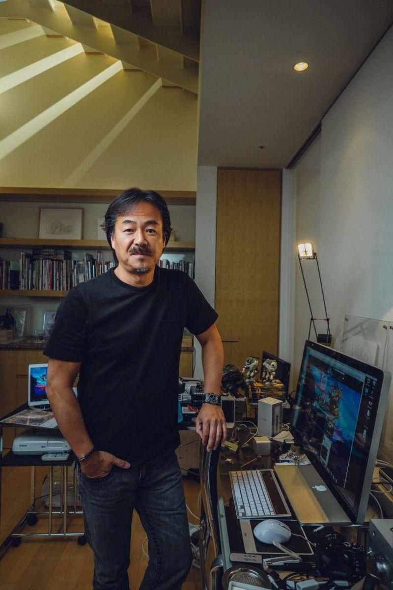 Создатель серии Final Fantasy Хиронобу Сакагучи стал первой знаменитостью в Square. Многие приписывают ему не только то, что Square не развалилась в конце 80-х, но и то, что она вышла на передовую, а Final Fantasy не только перешла в 3D, но и в сферы онлайн-игр и кино. Завершив работу над фильмом «Последняя фантазия: Духи внутри», он покинул Square и основал продюсерскую студию Mistwalker. | Фотограф: Ирвин Вонг.