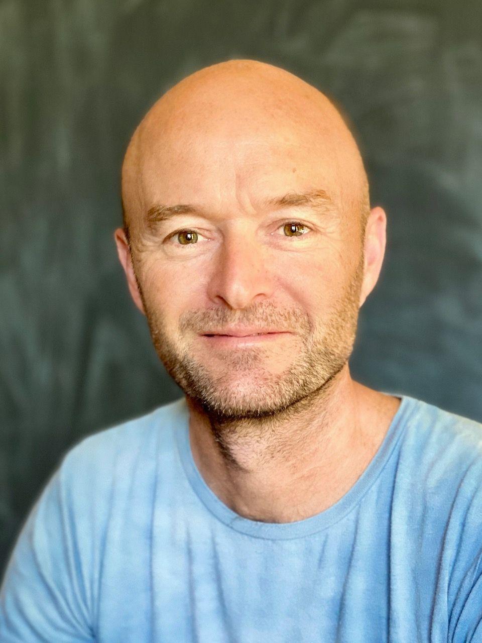 Portrait photo of Peter Russell-Clarke