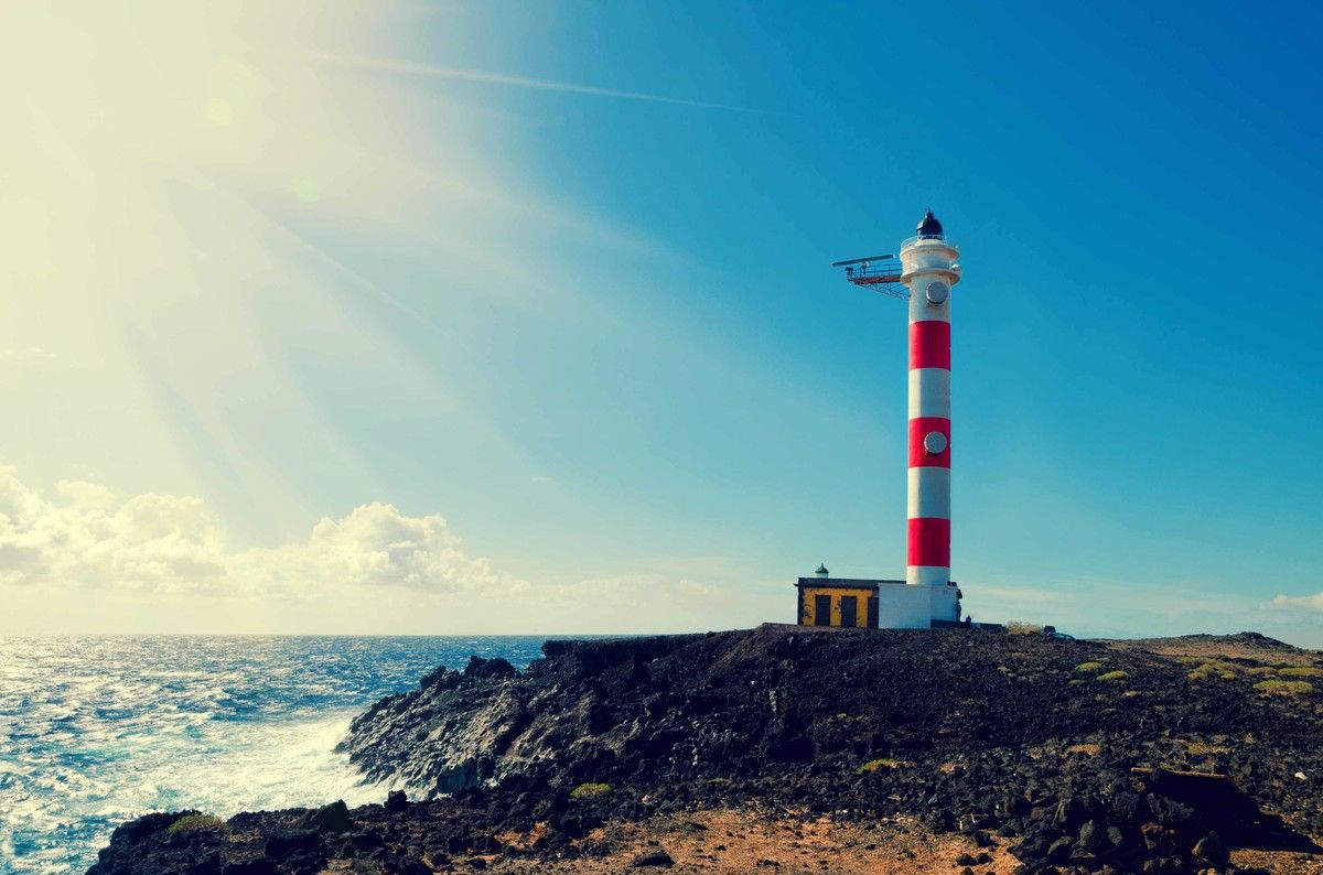Why Lighthouse Projects, Not PowerPoints, Will Unlock Your Transformation Value
