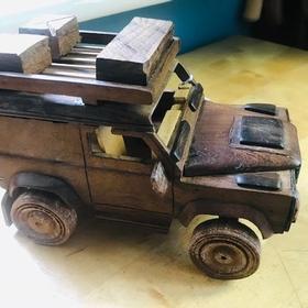 Wooden Land Rover Car (medium)