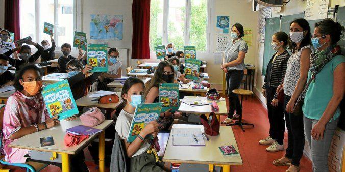 À Guipavas, les élèves en filière breton de l'école Louis-Pergaud reçoivent un cadeau