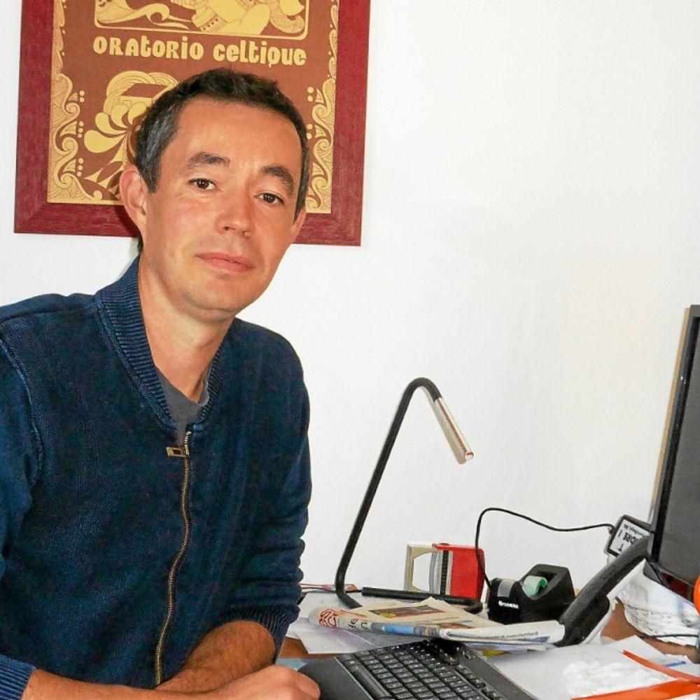 Arno Elegoed. Kanañ gant ar bed-holl