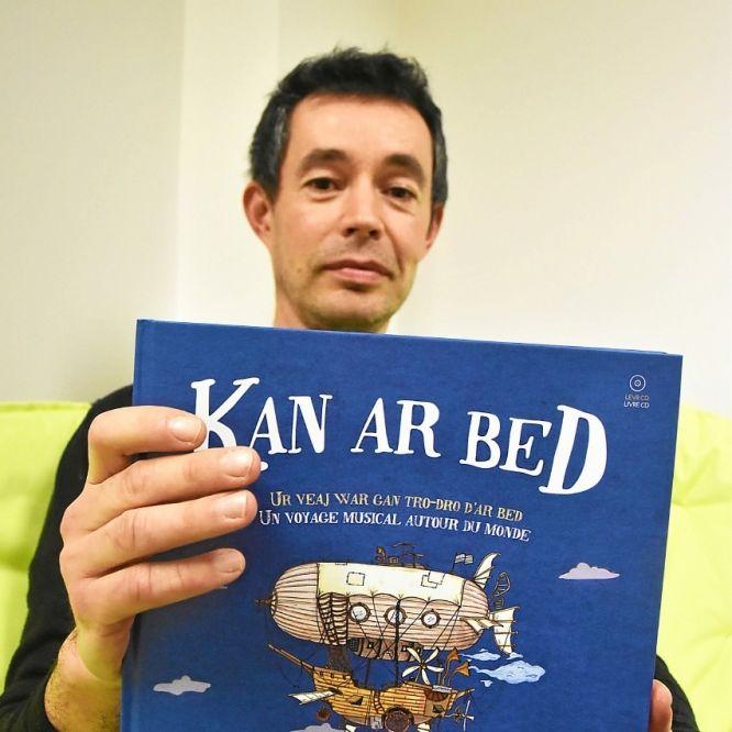 « Kan ar Bed ». La création qui renverse les frontières