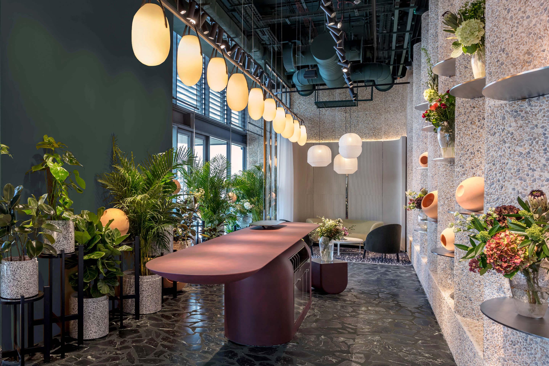 Fine Blooms — Dubai. Gala chandelier, custom length, matte black