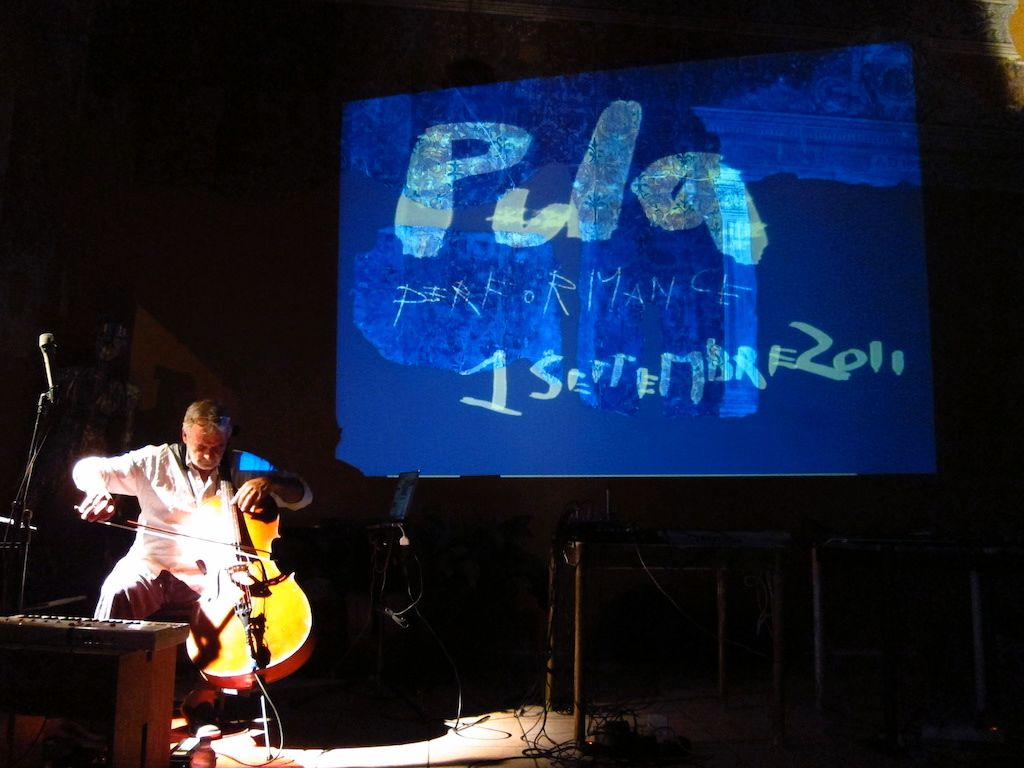 Performance a Pola