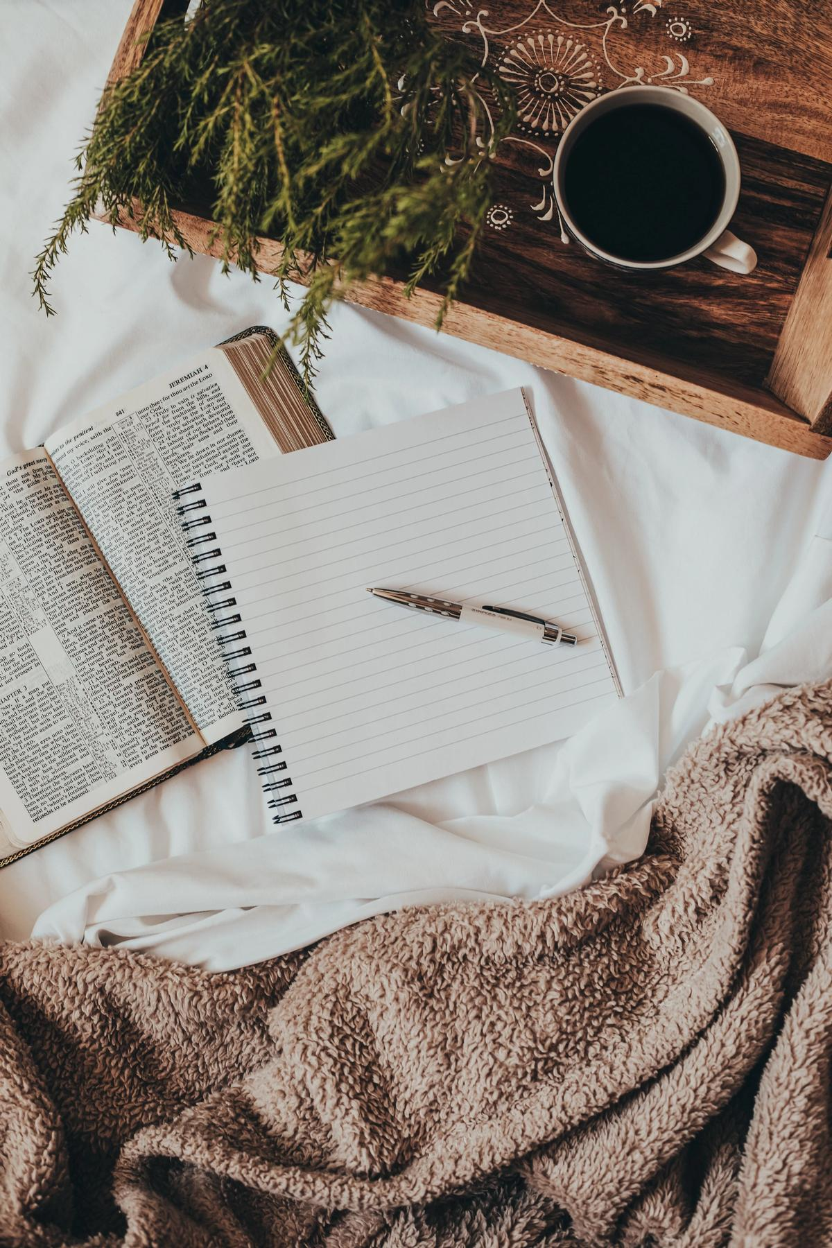 selfcare tips. how to journal. wellness. life style