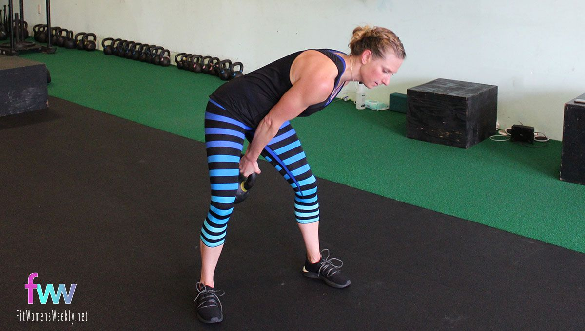 See the good hip hinge and kettlebell is going straight between my legs.