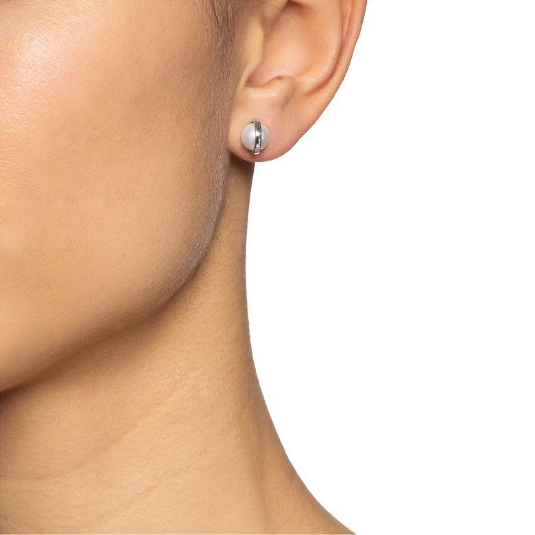 DAY PEARL EAR