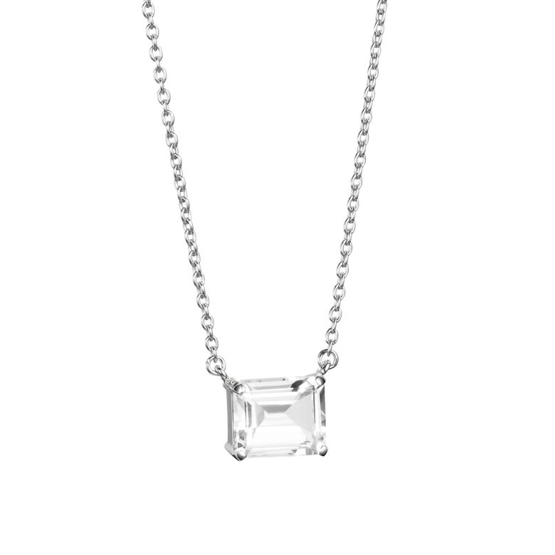 A CLEAR DREAM NECKLACE