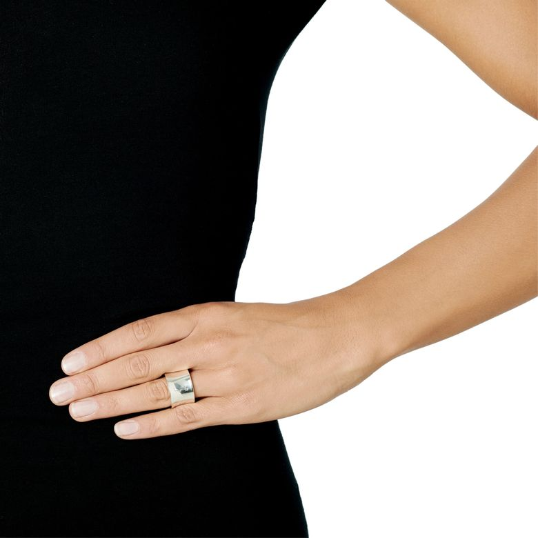 HOOKED ON SIMONE RING