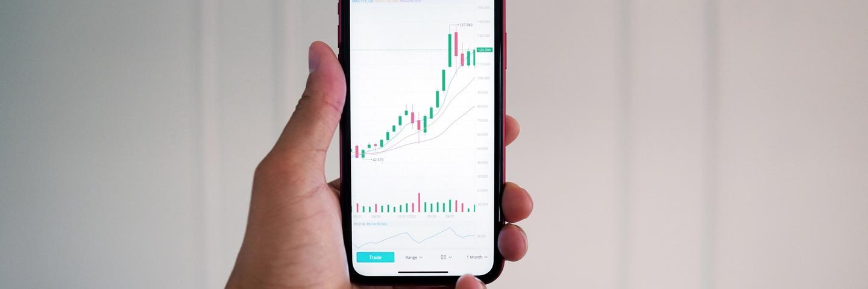 Un téléphone affichant les cours de bourse