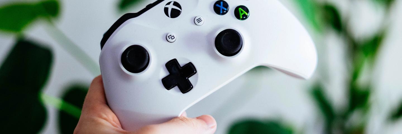 Une manette de jeu vidéo