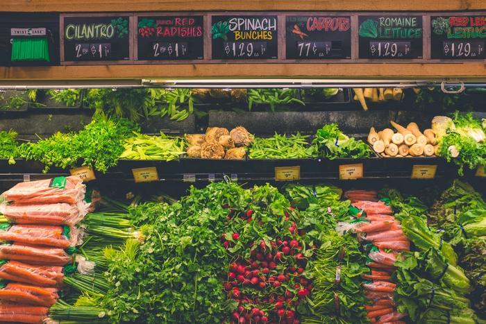 Des légumes dans un supermarché