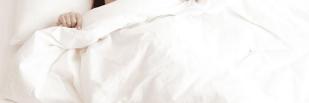 Lazy investing une personne dans son lit