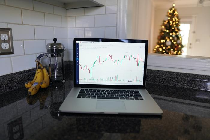 Le cours d'une action en bourse sur un ordinateur