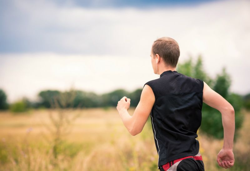 Mann som løper(colourbox.com)