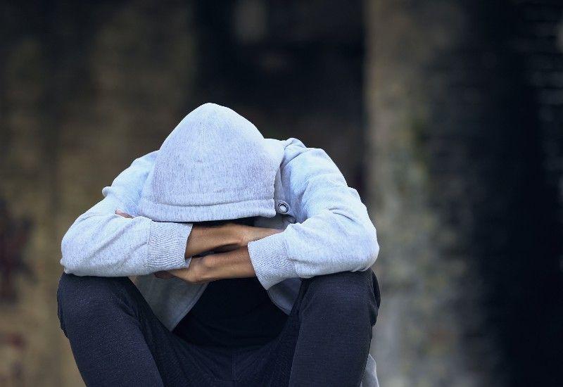SORG: Sorg beskrives ofte som de reaksjoner vi får når vi mister noen eller noe vi er glad i. Foto: Colourbox