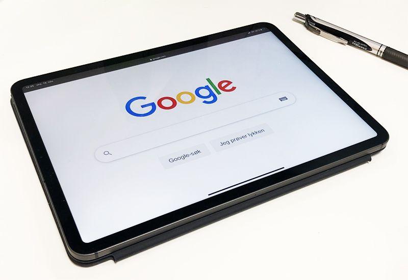 En iPad med Google (foto: ung.no)