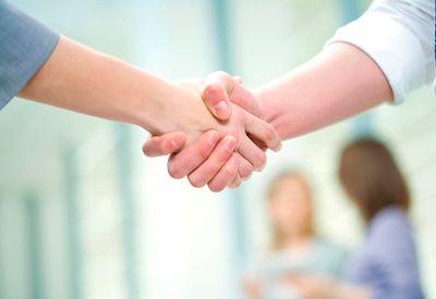 SLIK SIER DU OPP JOBBEN: Vær ærlig overfor sjefen, lever skriftlig oppsigelse og sørg for å få med deg en attest som du kan vise fram til en ny arbeidsgiver senere.