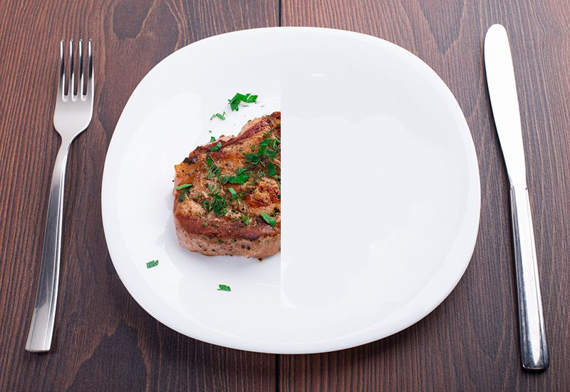 80 KILO: I snitt spiser vi 80 kilo kjøtt hver her i Norge. Det er flere gode grunner til å kutte ned på det.