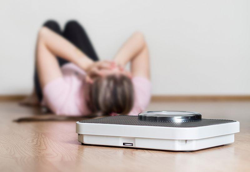 SNAKK OM DET: Er du bekymret for at du er i ferd med å utvikle en spiseforstyrrelse, må du snakke med foreldrene dine, helsesøster eller fastlegen din. Det er hjelp å få!