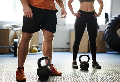 HELLER FOR MYE: Det er mulig å være svært veltrent selv om man ikke har synlige muskler, og det er mulig at en person med markerte muskler ikke er like veltrent. Helsemessig er det bedre å være veltrent med litt fett på kroppen, enn utrent og uten nesten noe fett.